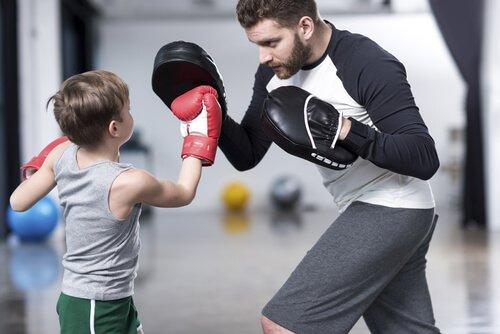 clase de boxeo con ninos